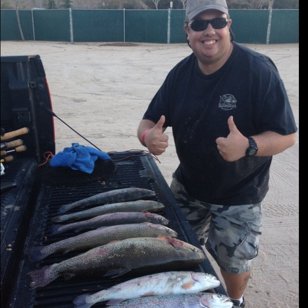 Rainbow trout fishingscout for Hesperia lake fishing report