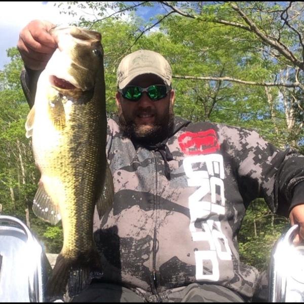 Largemouth bass squam lake nh fishingscout for Bass fishing nh