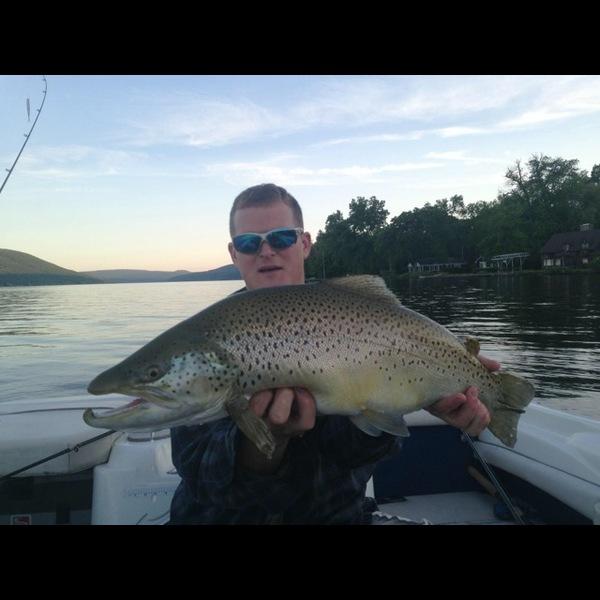 Canandaigua lake fishing reports fishingscout mobile app for Freshwater fishing ny