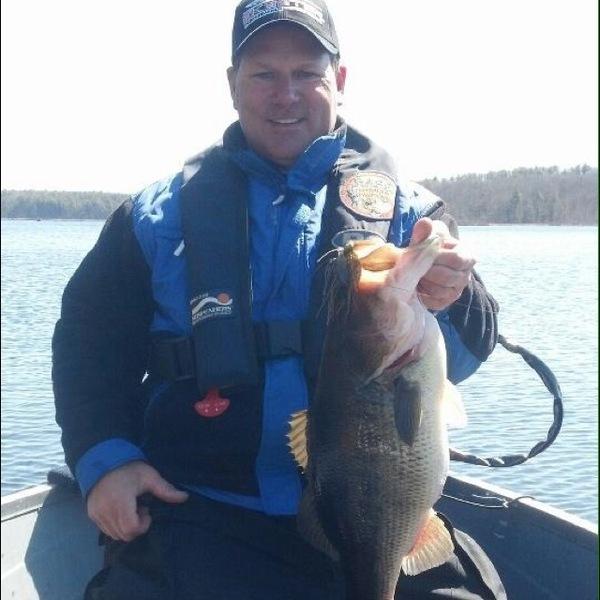 Largemouth bass pikes creek reservoir pa fishingscout for Spring creek pa fishing report