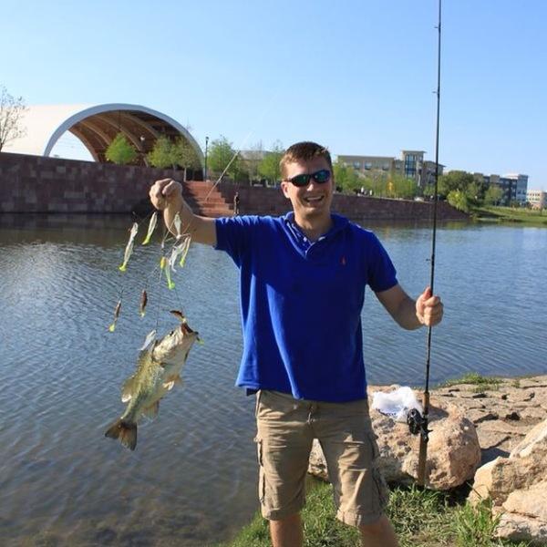 Mueller Neighborhood Pond Fishing Report 03/25/2012